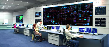 CNC investiga a eléctricas por posible manipulación del mercado